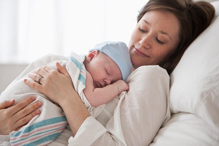 การนอนของทารกอาจจะมากเมื่อเริ่มแรกเกิด