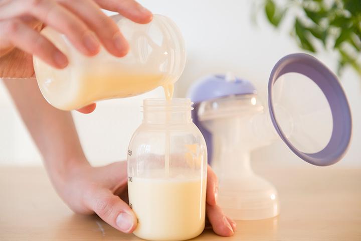 นอกเหนือจากการเก็บนมให้ตรงกับตารางปั๊มนม ไม่ควรละเลยการดูแลอุปกรณ์ให้สะอาดเสมอ