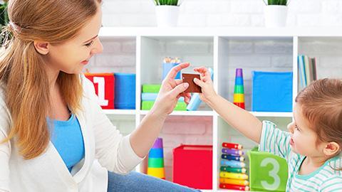 4 เคล็ดลับช่วยคุณแม่พัฒนาทักษะทางสังคม ให้เจ้าตัวเล็ก