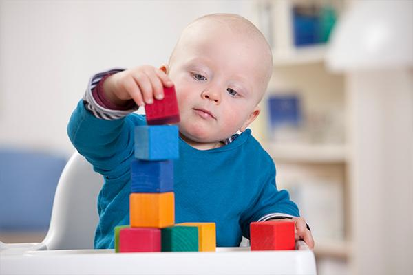 เพื่อการพัฒนาสมองในช่วง 3 ปีแรกของเด็กเล็กที่ดีนั้น คุณแม่ต้องดูแลให้ลูกน้อยได้รับอาหารบำรุงสมองจากอาหารหลักให้ครบถ้วน