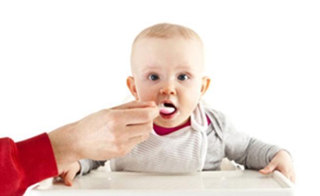 อาหารเด็กวัยแรกเกิดถึง 3 ขวบ ต้องเริ่มอย่างไร