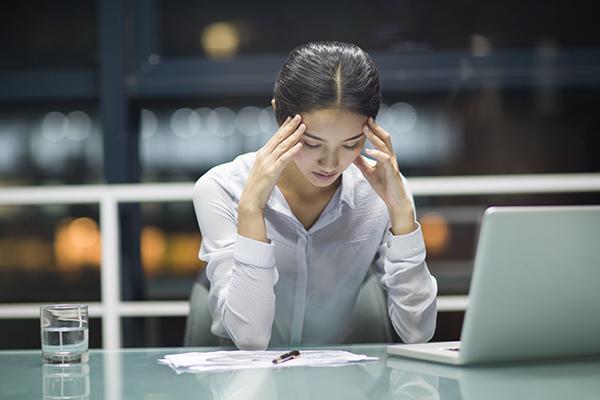 เครียดหลังคลอดจนส่งผลต่องาน ทำไงดี
